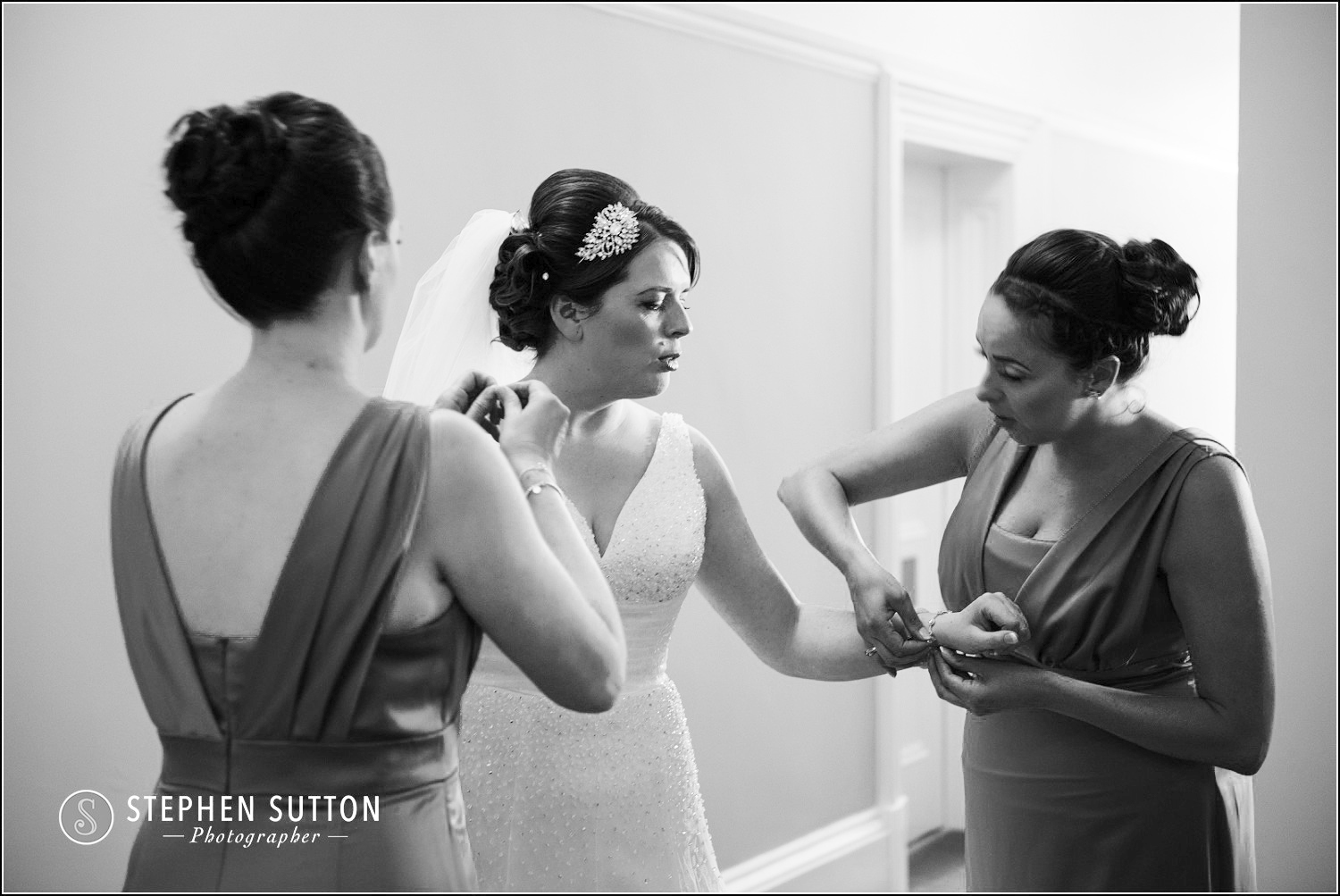 PENDRELL HALL WEDDING PHOTOGRAPHERS-011